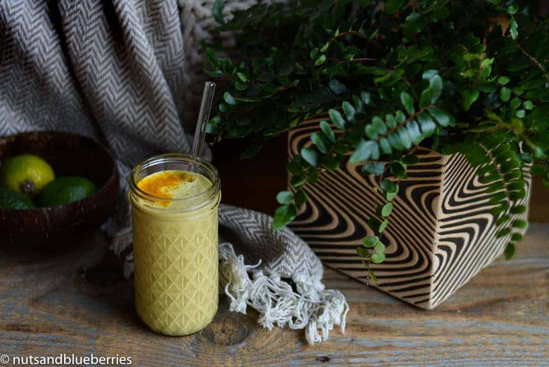 Turmeric cashew smoothie with lemon