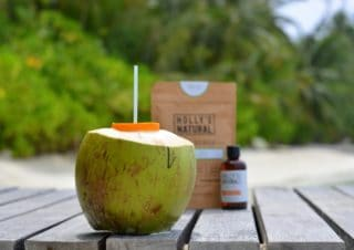 Anti-Aging with Coconut Water and Coconut Peeling against Cellulite