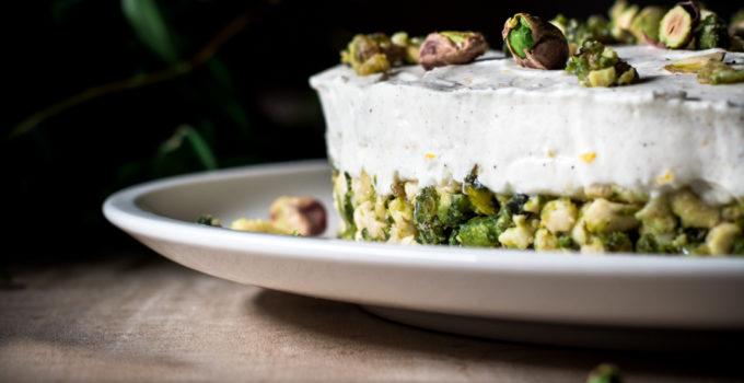 Low Carb No bake pistachio curd cake