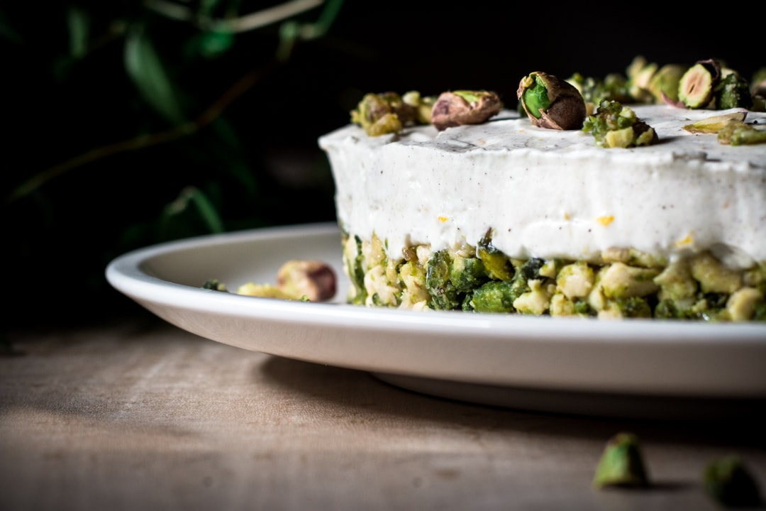 Low Carb No bake pistachio curd cake