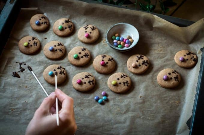 Bake something super cute – reindeer cookies with almond butter